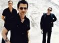 imagen Despeche Mode con nueva placa para abril