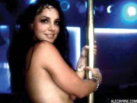 britney-spears-topless-16