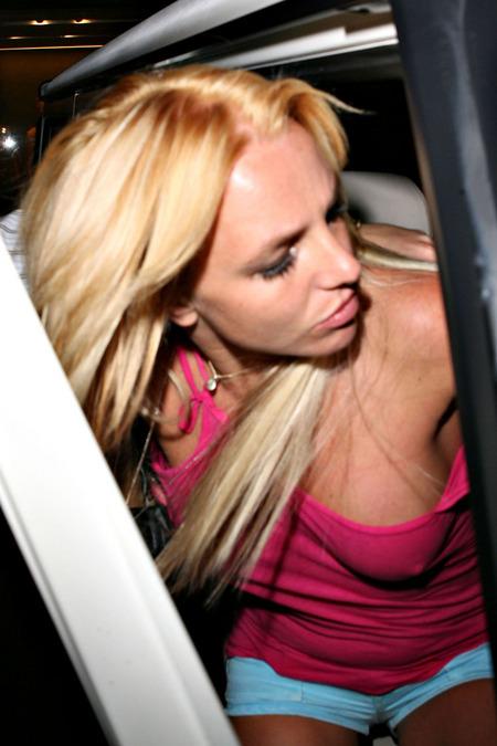 Britney Spears cambió de look y volvió a ser rubia 01