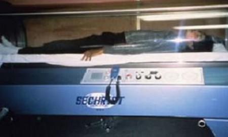 encontraron-la-supuesta-maquina-del-tiempo-de-michael-jackson-01