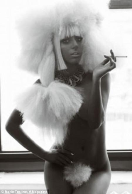 lady-gaga-desnuda-en-la-revista-v-02