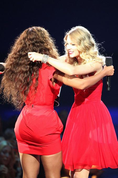 Beyoncé, la gran ganadora de los VMAs 2009 y un ejemplo 01
