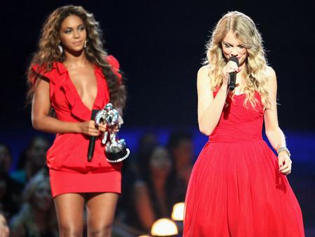 Beyoncé, la gran ganadora de los VMAs 2009 y un ejemplo 03