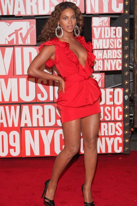 Beyoncé, la gran ganadora de los VMAs 2009 y un ejemplo 04