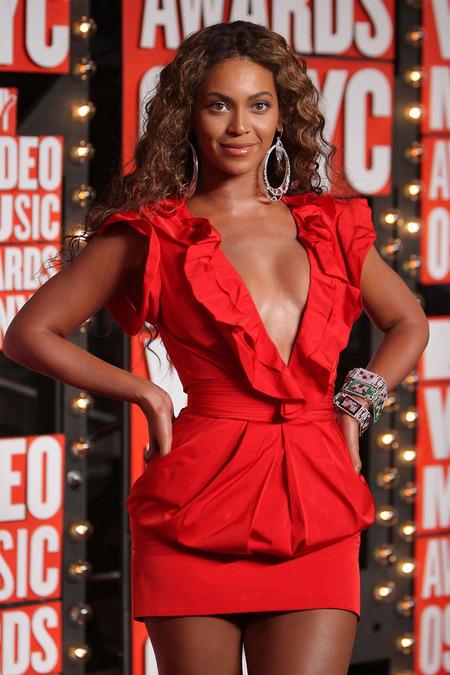 Beyoncé, la gran ganadora de los VMAs 2009 y un ejemplo 06