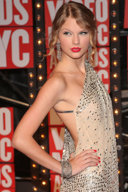 El look de Taylor Swift para los VMAs 2009 01