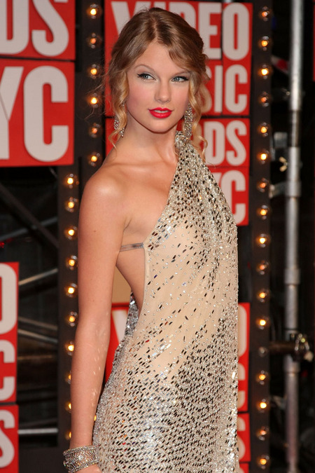 El look de Taylor Swift para los VMAs 2009 03