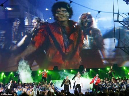 el-tributo-al-rey-del-pop-en-los-vmas-2009-02