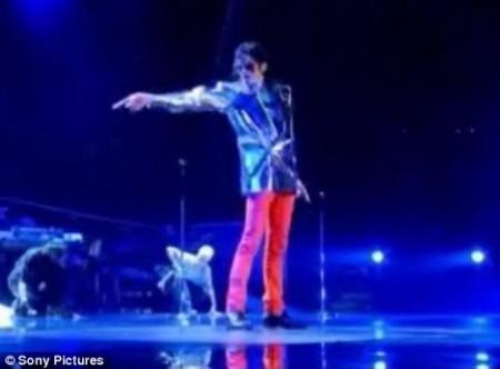 el-tributo-al-rey-del-pop-en-los-vmas-2009-12
