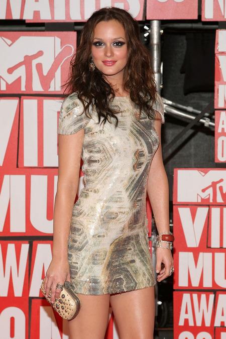 Más looks de famosas en los VMAs 2009 10