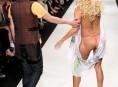 imagen Pamela Anderson ligera de ropa