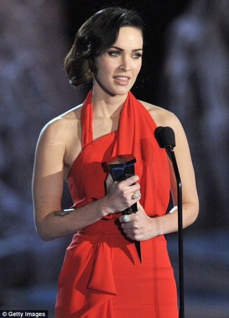 megan-fox-deslumbra-en-los-premios-spike-tv-scream-awards
