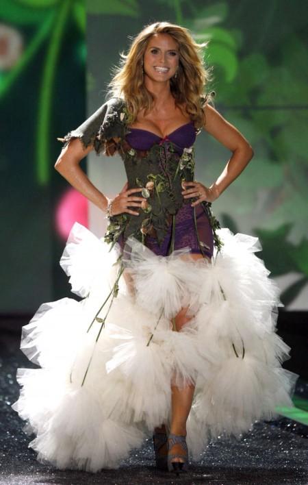 victorias-secret-fashion-show-p1-01