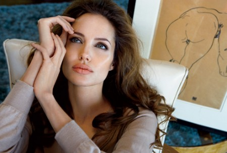 angelina-jolie-entento-suicidarse