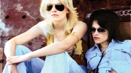 dakota-fanning-kristen-stewart-muy-rockeras-en-the-runways-01