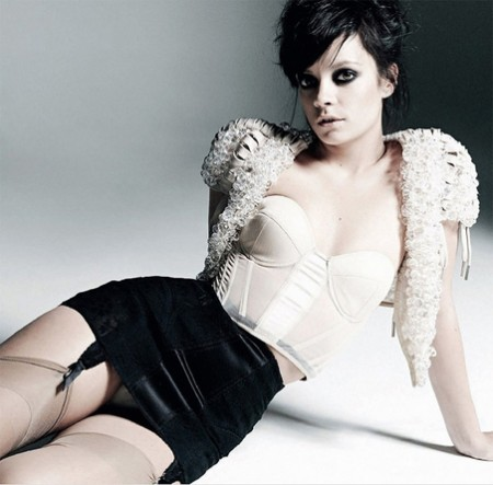 lily-allen-nuevo-topless-06