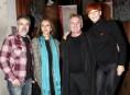 imagen Miguel Bosé junto con amigos, luchan contra el sida