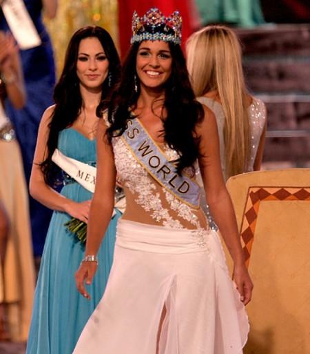 miss-gibraltar-es-la-nueva-miss-mundo-01
