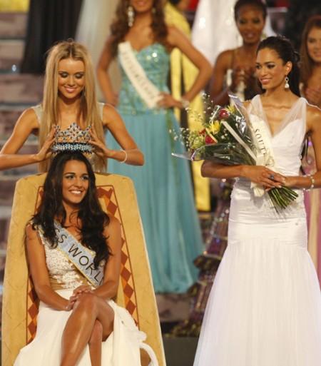 miss-gibraltar-es-la-nueva-miss-mundo-02