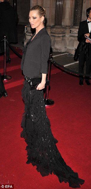 victoria-beckham-kate-moss-destacadas-british-fashion-awards-03