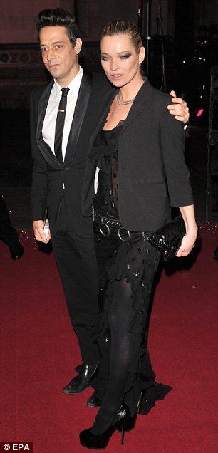 victoria-beckham-kate-moss-destacadas-british-fashion-awards-04
