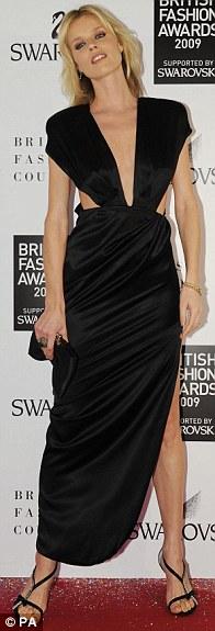victoria-beckham-kate-moss-destacadas-british-fashion-awards-06