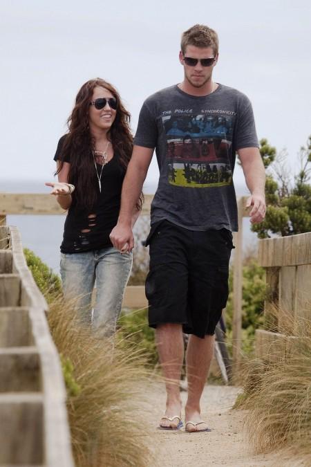Miley Cyrus y Liam Hemsworth juntos en Australia-01