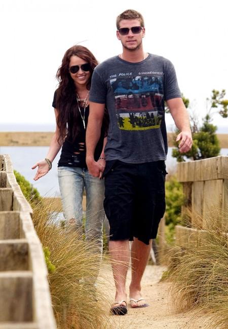 Miley Cyrus y Liam Hemsworth juntos en Australia-03