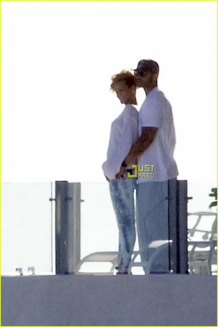Rihanna con nuevo amor-02