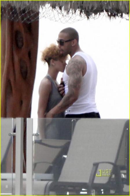 Rihanna con nuevo amor-05