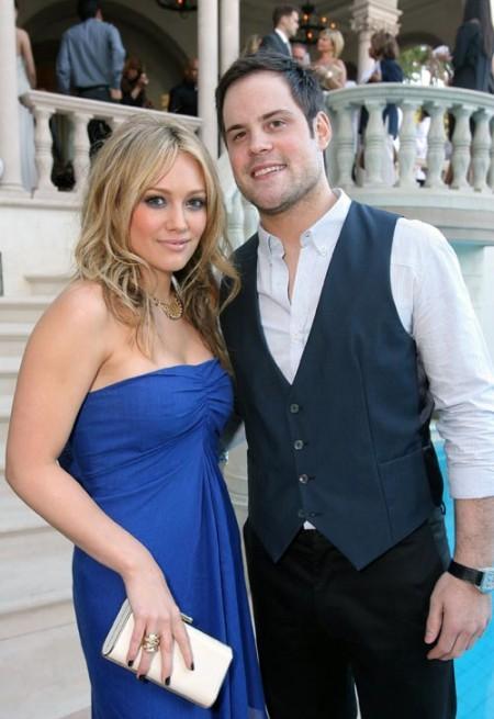 Hilary Duff se comprometió con Mike Comrie 1