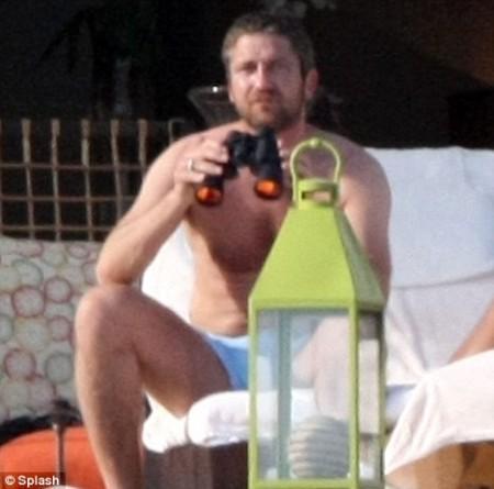 Jennifer Aniston y Gerard Butler de vacaciones2