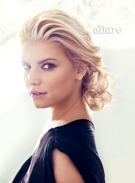 Jessica Simpson de regreso en Allure Magazine-09
