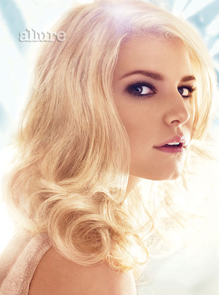 Jessica Simpson de regreso en Allure Magazine-11