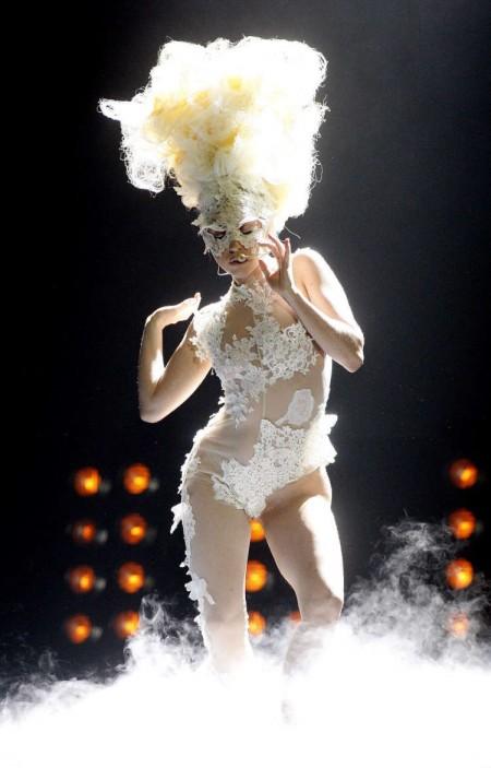 Lady GaGa fue la gran ganadora de los Brit Awards-06