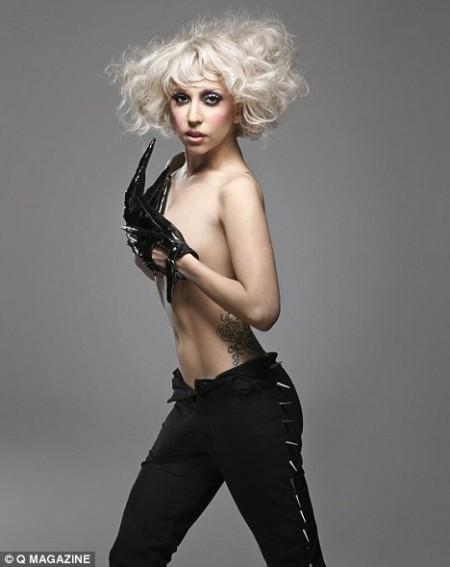 Lady GaGa hizo topless para Q magazine 2