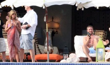 Mas de las vacaciones de Jennifer Aniston y Gerard Butler2