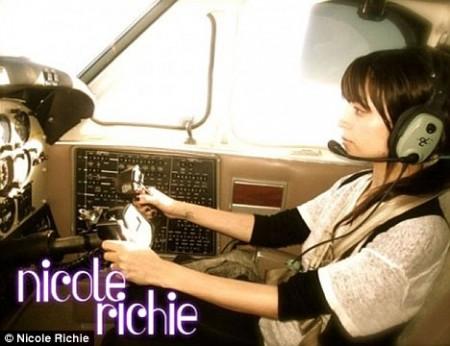 Nicole Richie piloto1