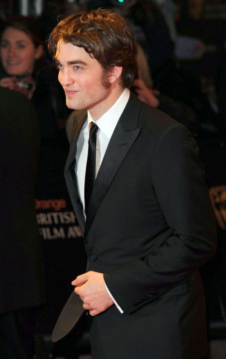 Robert Pattinson en los BAFTAs 1