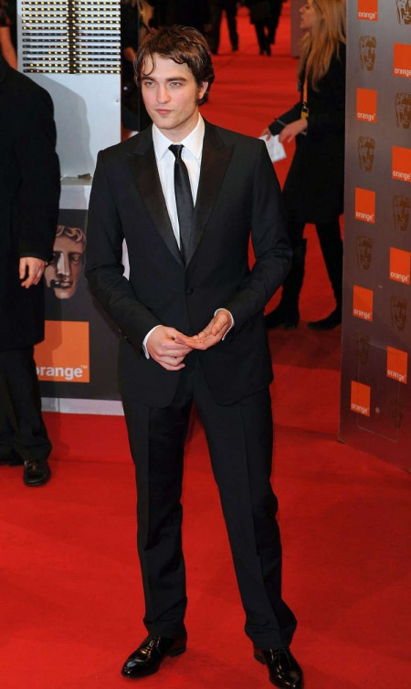 Robert Pattinson en los BAFTAs3