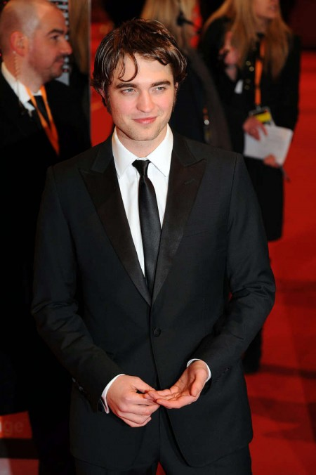 Robert Pattinson en los BAFTAs5