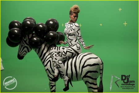 rihanna-zebra-rude-boy-music-video-05