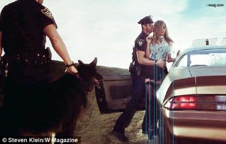 Jennifer Aniston y Gerard Butler en W Magazine 3