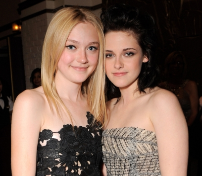 Kristen Stewart y Dakota Fanning en su nuevo video