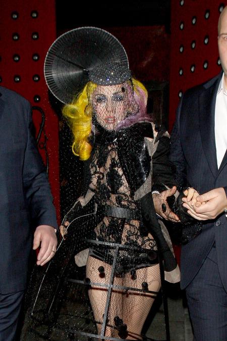 38207PCN_Gaga
