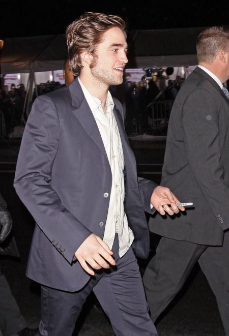 Robert Pattinson mimó un poco a sus fans 6
