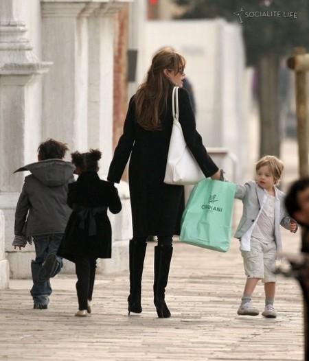Pax Jolie-Pitt, Zahara Jolie-Pitt, Shiloh Jolie-Pitt, Angelina Jolie