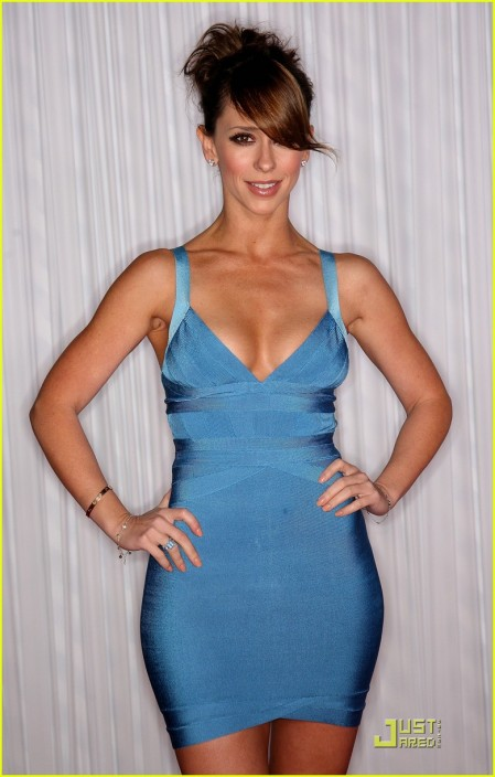 jennifer-love-hewitt-ghost-whisperer-100th-episode-celebration-03-449x704.jpg