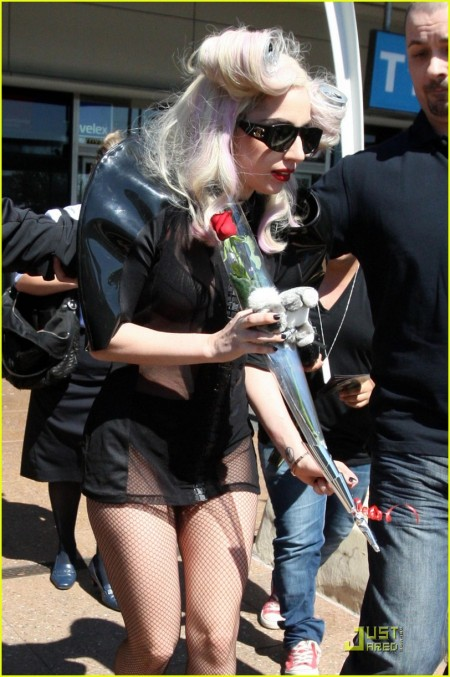 EXCLUSIVE: Lady GaGa Arrives In Sydney With Two Cans Of Coke In Her Hair (USA ONLY)