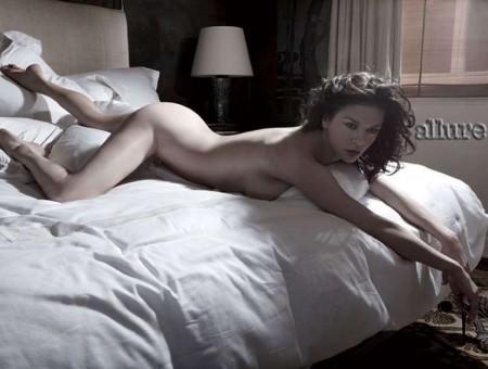 Catherine Zeta-Jones se desnuda 1